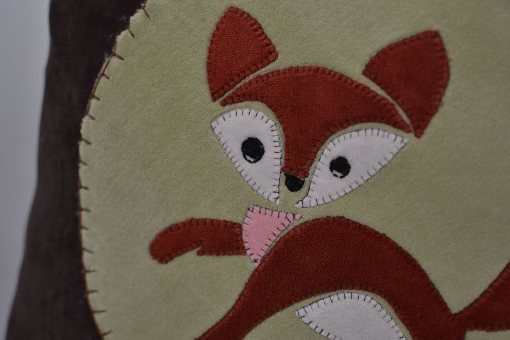 Free little fox applique pattern sewcanshe applique of the month