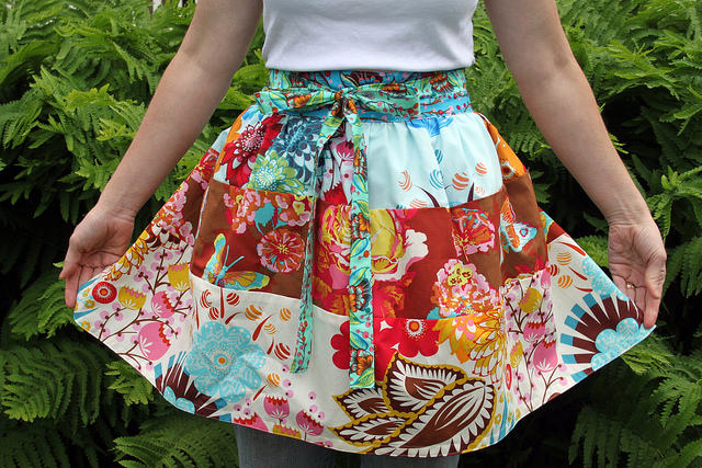 Fabric Lovers Apron by Maureen Cracknell Mandmade