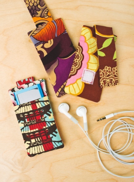 Craft Foxes MP3 Player Holder