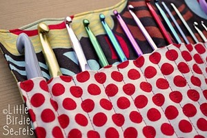 Crochet Hook Clutch Tutorial from Little Birdie Secrets