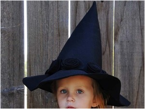 Witch hat pattern from Living With Punks