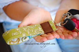 Wrist Key Chain Tutorial by Infarrantly Creative