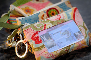 Pretty Wallet Pattern by Thimbleanna