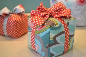 Pretty Parcel Pin Cushion pattern by Emily Taylor