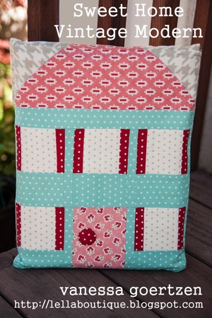Dollhouse Pouch Free Sewing Pattern