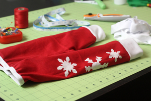 Christmas Pajama Pants DIY tutorial by the Crafty Gemini