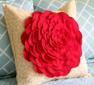 Petal Pillow Tutorial from Cluck Cluck Sew