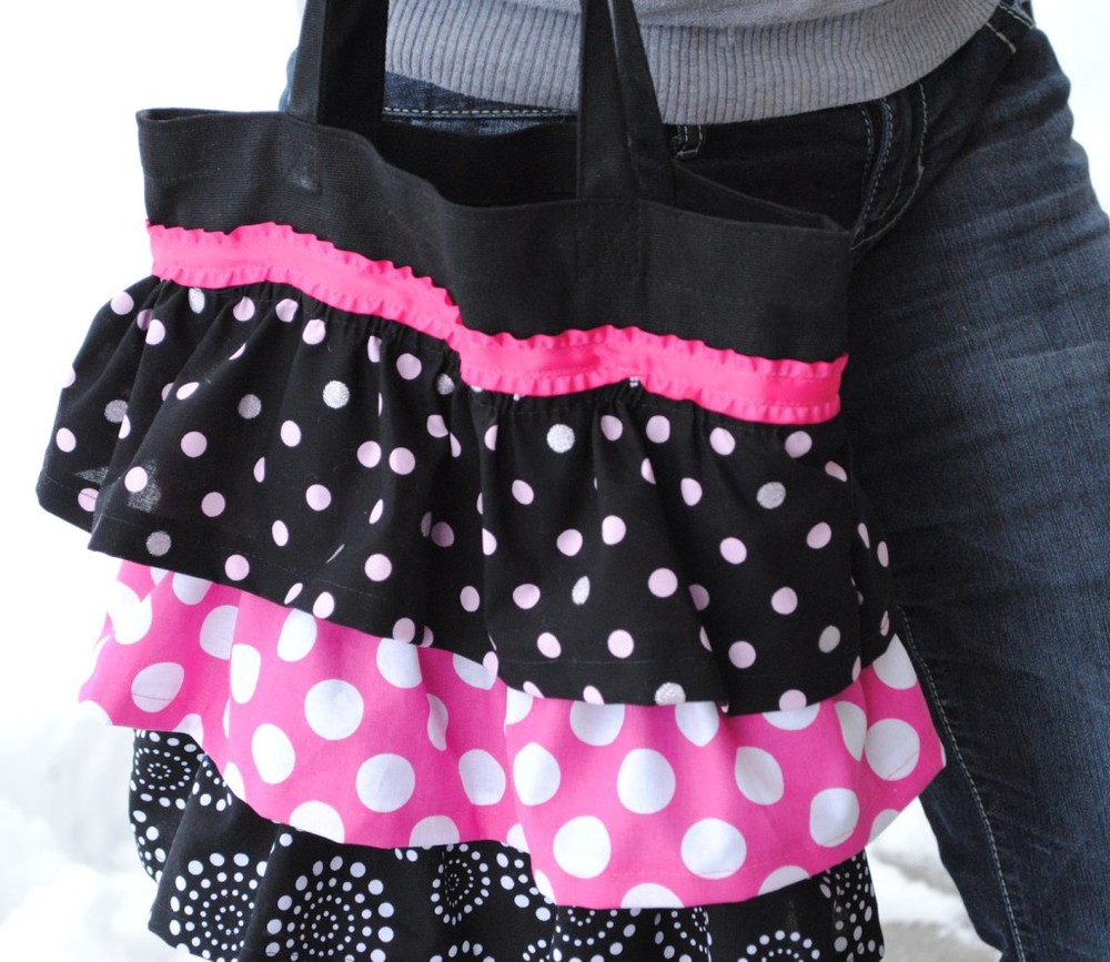 Ruffle Tote Bag from Crazy Little Projects
