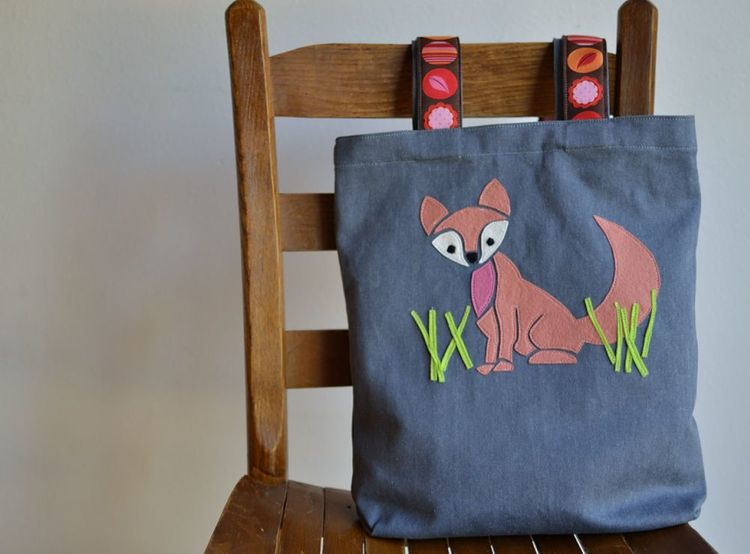 Free girly fox applique pattern sewcanshe applique of the month ive made two designs into pillows and one into a wall hanging so this one i decided to put on a tote bag its just a basic tote bag but ill still publicscrutiny Image collections
