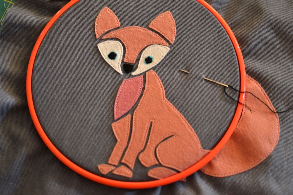 Free girly fox applique pattern sewcanshe applique of the month