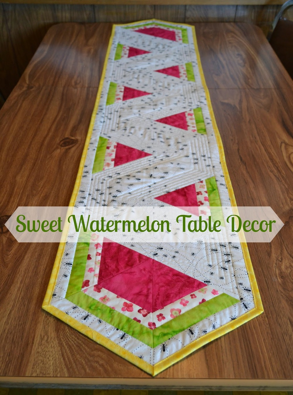 Guest blogger... Lorna and her Watermelon Table Runner tutorial ...