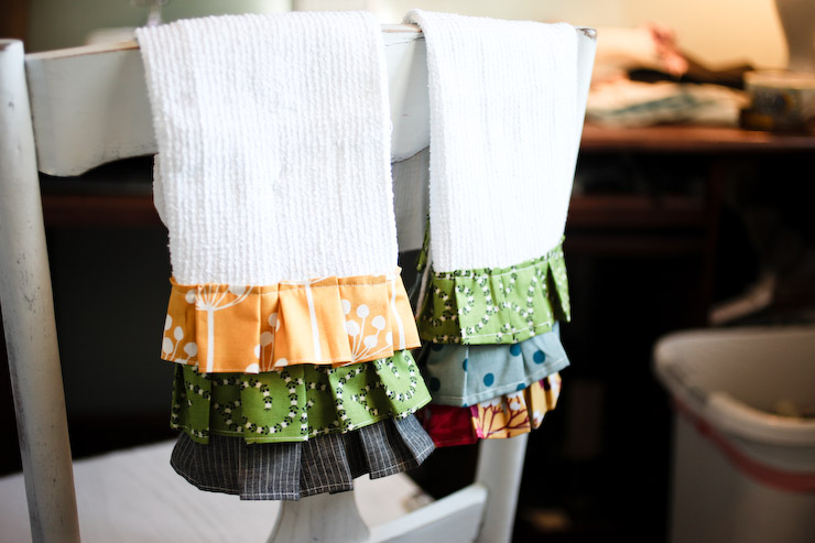 DIY kitchen towels from Elm Street Life