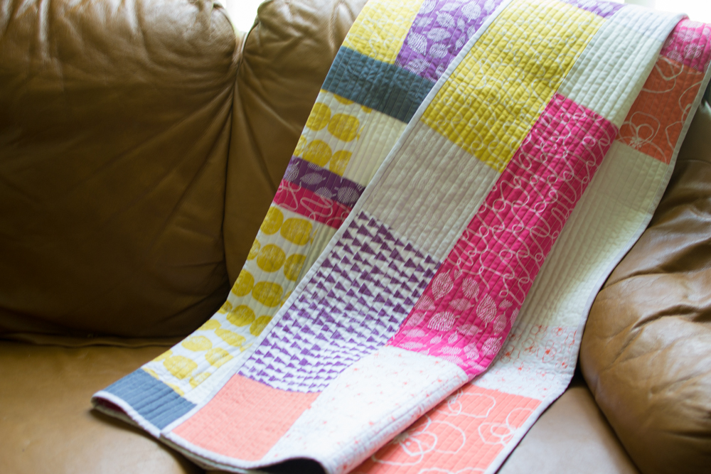 New Free Fat Quarter Fizz Quilt Pattern from Fat Quarter Shop ... : easy quilt patterns using fat quarters - Adamdwight.com