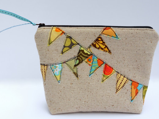 cute bunting zipper pouch