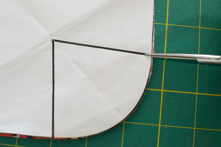 Sewing 201: How to Sew a Dart {2 foolproof tricks} — SewCanShe ...