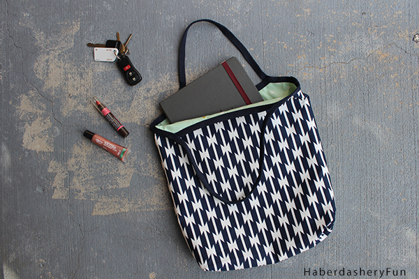 DIY Reversible 1-hour tote from Haberdashery Fun