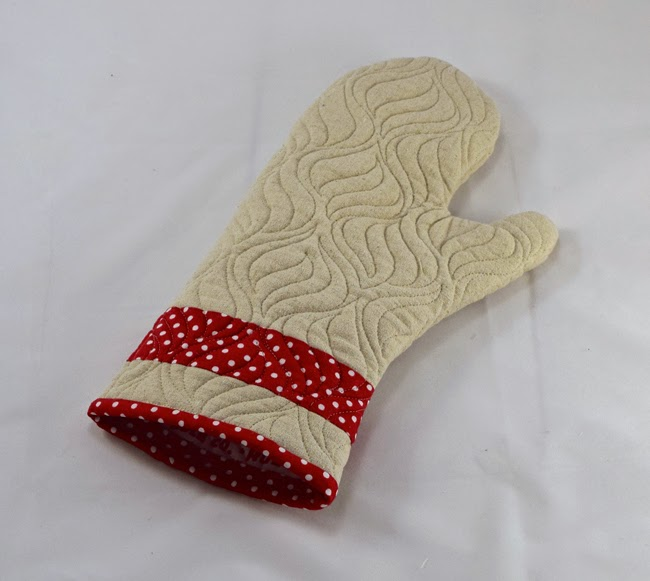 Friday Spotlight: Heather s Quilted Oven Mitts SewCanShe Free Daily Sewing Tutorials