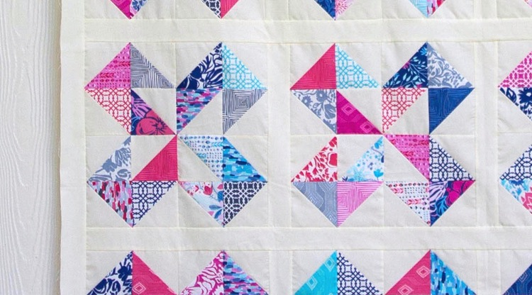 Star Cakes Quilt Pattern - free with a video tutorial from Fat ... : layer cake quilt patterns by moda - Adamdwight.com