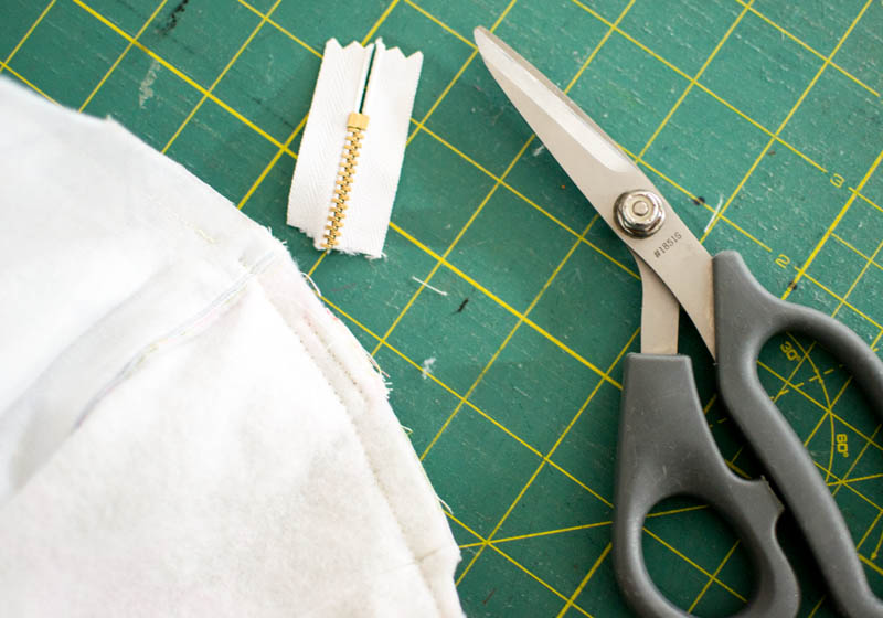 8769f08d83b4 Tips for Sewing Metal Zippers - have no fear! — SewCanShe