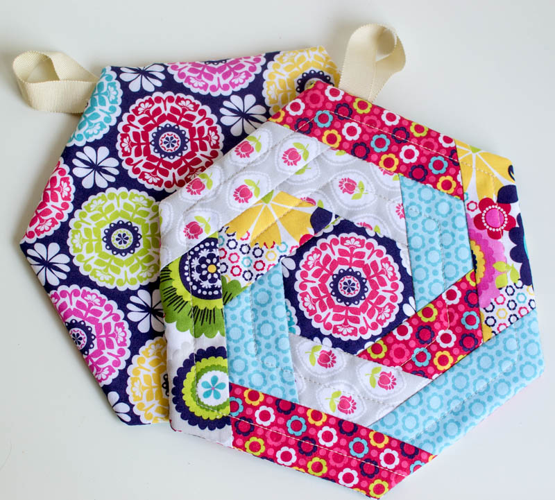 Show Off Saturday New And Improved Hexi Potholder Pattern
