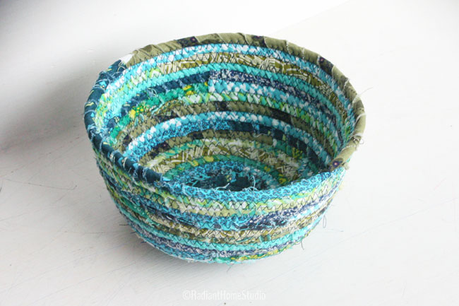 FABRIC SCRAP BOWL TUTORIALS from Radiant Home Studios