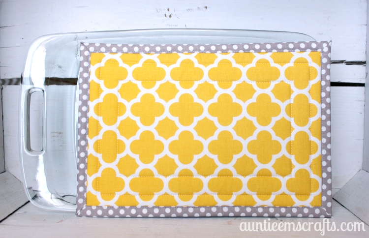 Large Hot Pad Tutorial from Auntie Em's Crafts