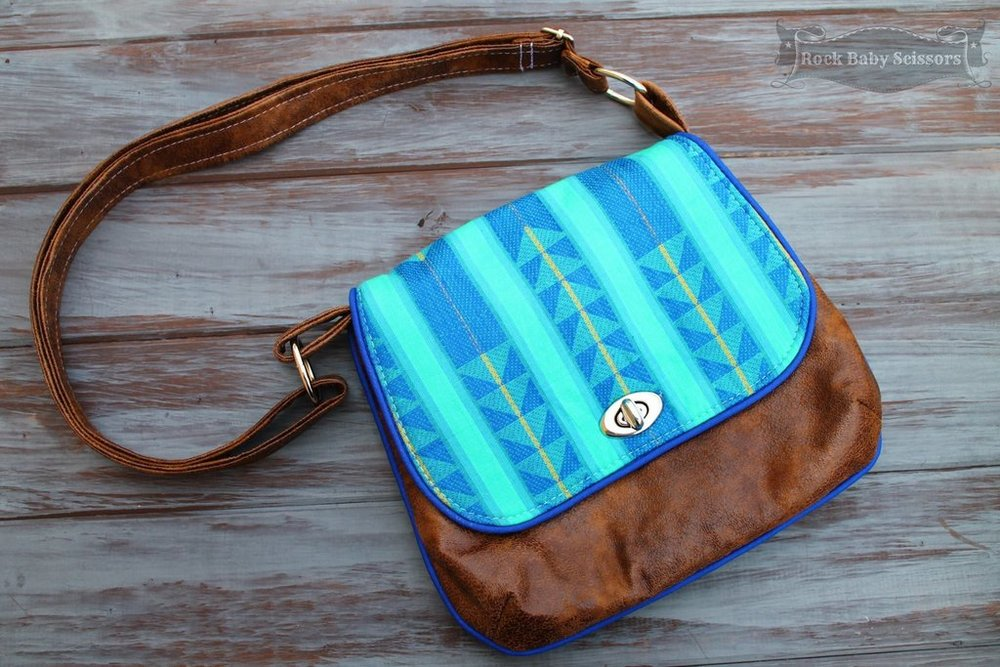 FREE The Lilac Mini Messenger  blue calla patterns