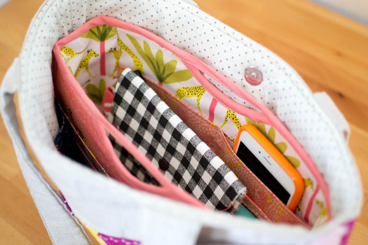 Free Crochet Pattern Purse Organizer : Handy Purse Organizer {free sewing pattern} - Global World ...