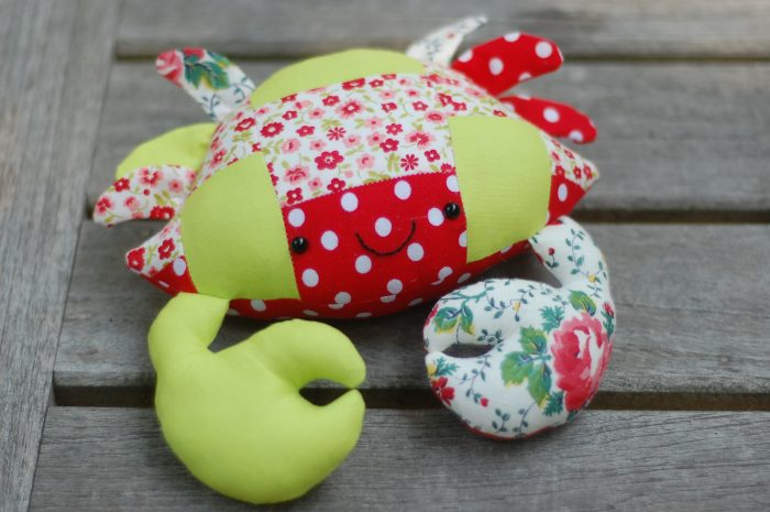 CASEY THE CRAB FREE PATTERN IN PATCHWORK from While she naps