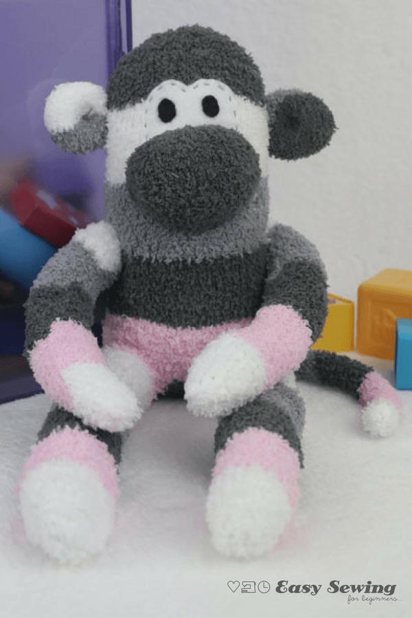 Friday Spotlight: Domenica\'s Adorable Sock Monkey Tutorial ...