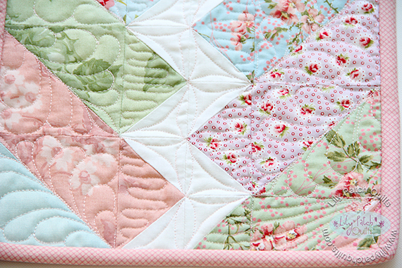 Friday Spotlight Kims Gorgeous Bolt Mini Quilt Sewcanshe Free