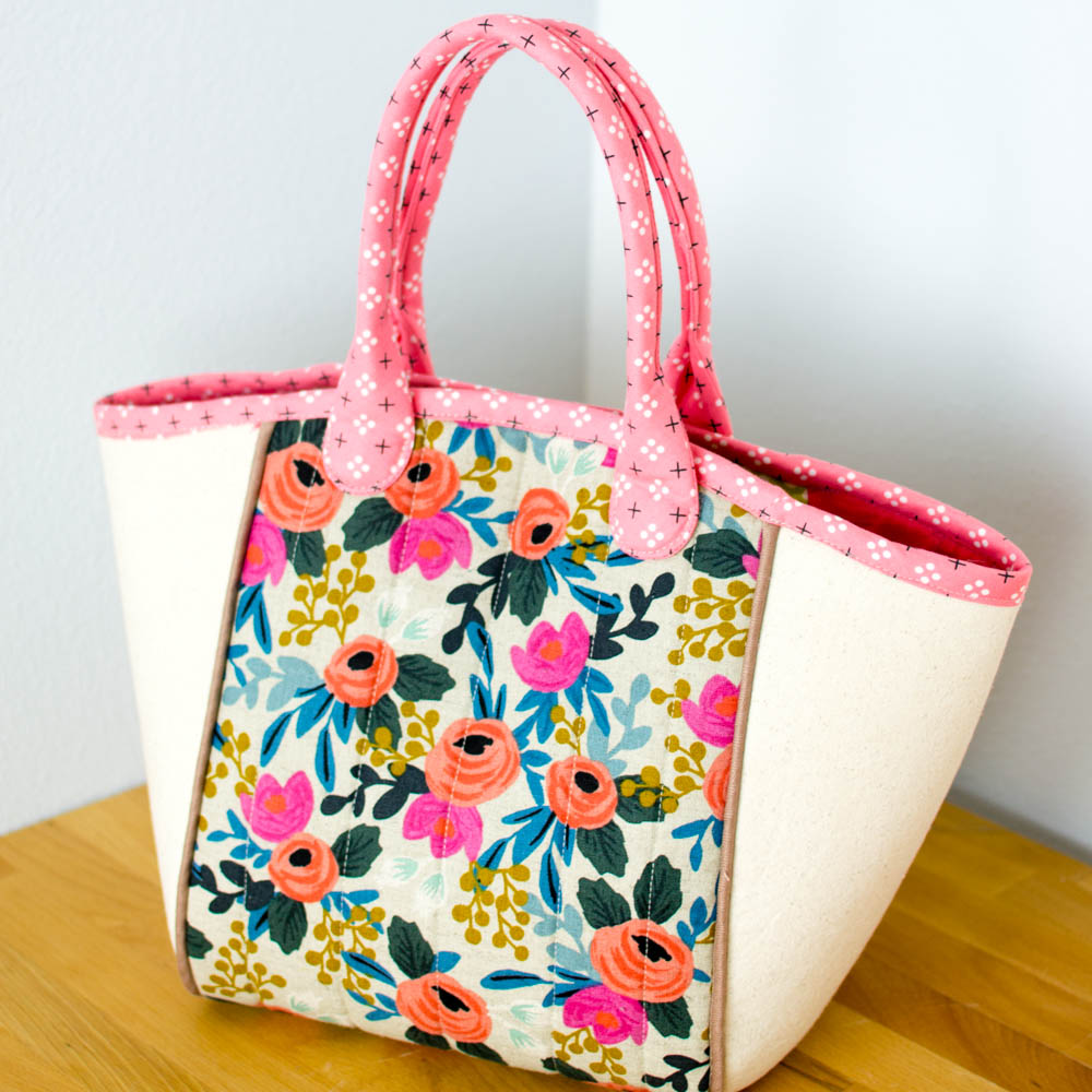 The ultimate list of fast and easy tote bags to sew with free skip the quilting and use fusible fleece instead for a fast sew you could also skip the piping but i dont recommend that its such a pretty touch jeuxipadfo Image collections