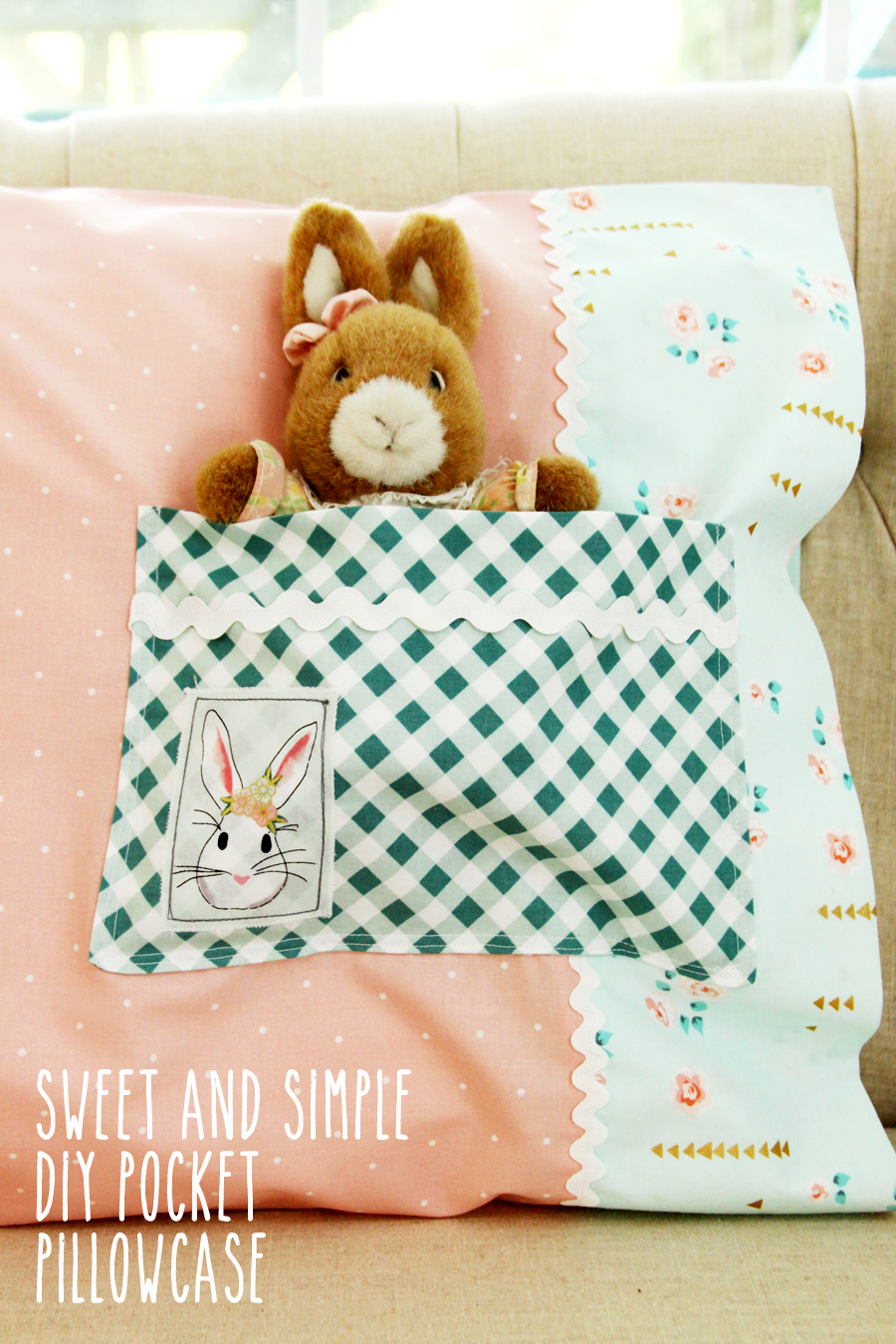 Sweet And Simple DIY Pocket Pillowcase from Flamingo Toes