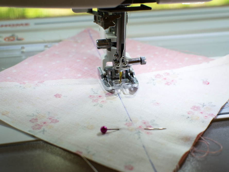 sewing quarter square triangles.jpg