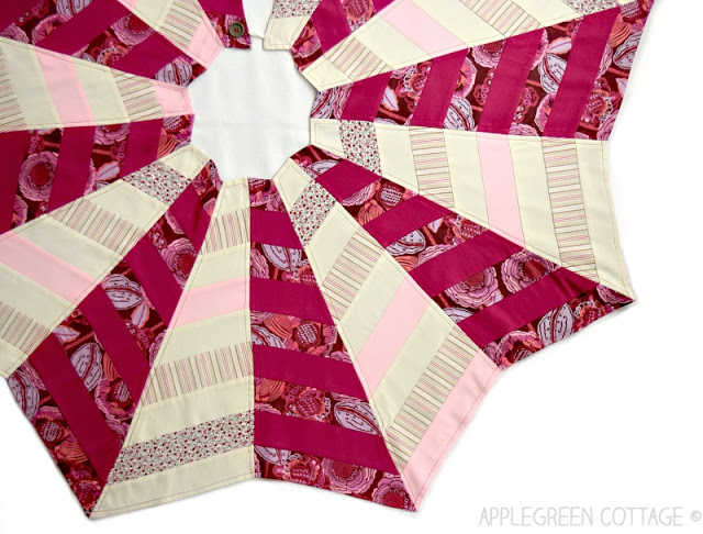 Quilted-Christmas-Tree-Skirt-final-ang.jpg