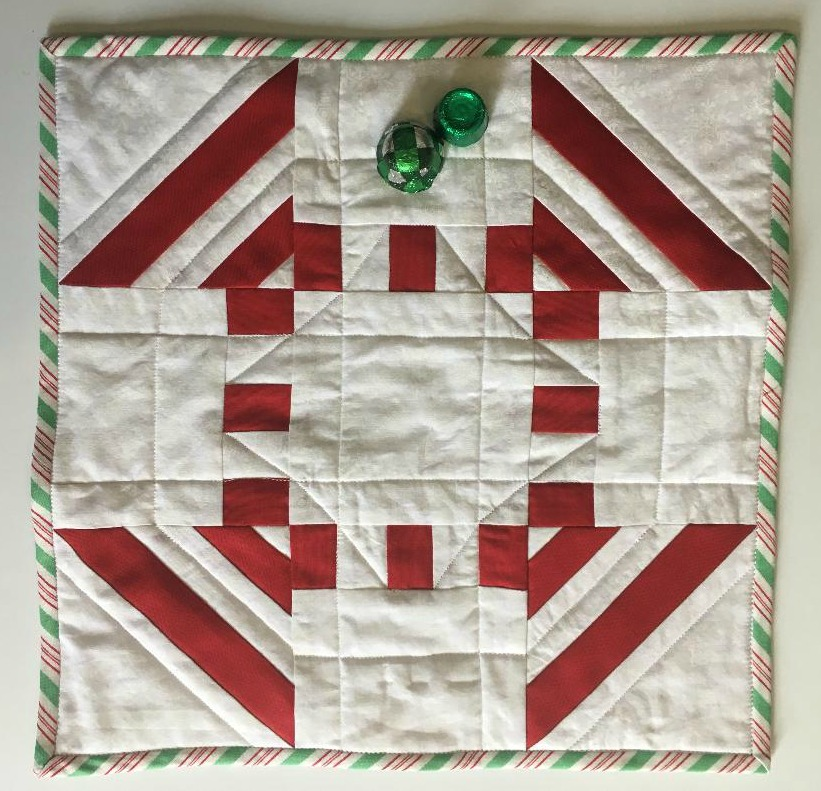 December Mini Quilt Wrap-up! — SewCanShe | Free Sewing Patterns ... : wrap it up quilt pattern - Adamdwight.com