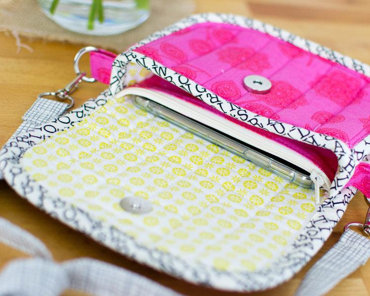 DIY Clutch Bag Pattern {free sewing pattern} — SewCanShe | Free ...