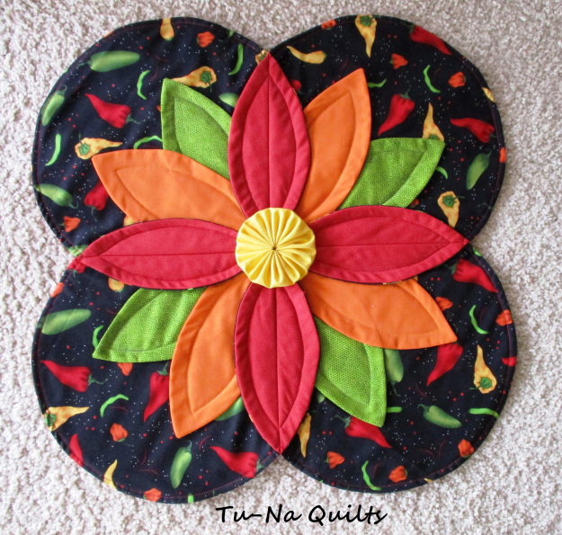 Friday spotlight karens incredible table topper sewcanshe free friday spotlight karens incredible table topper sewcanshe free sewing patterns for beginners watchthetrailerfo