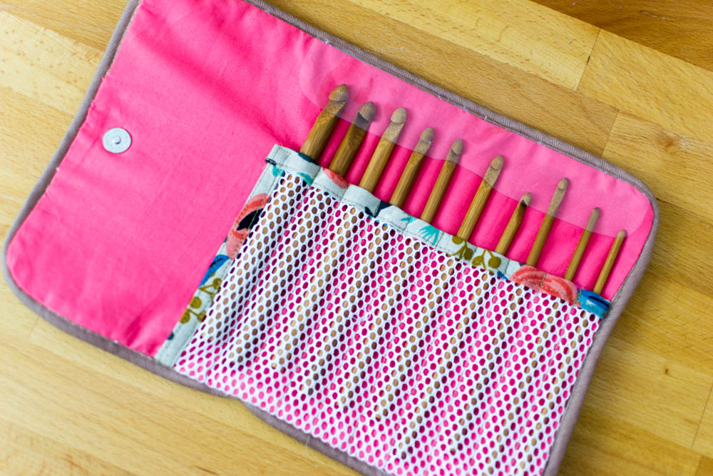 Show Off Saturday My Crochet Hook Case Sewcanshe Free Sewing
