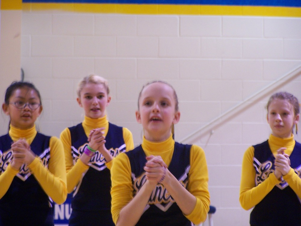 Cheerleaing.jpg