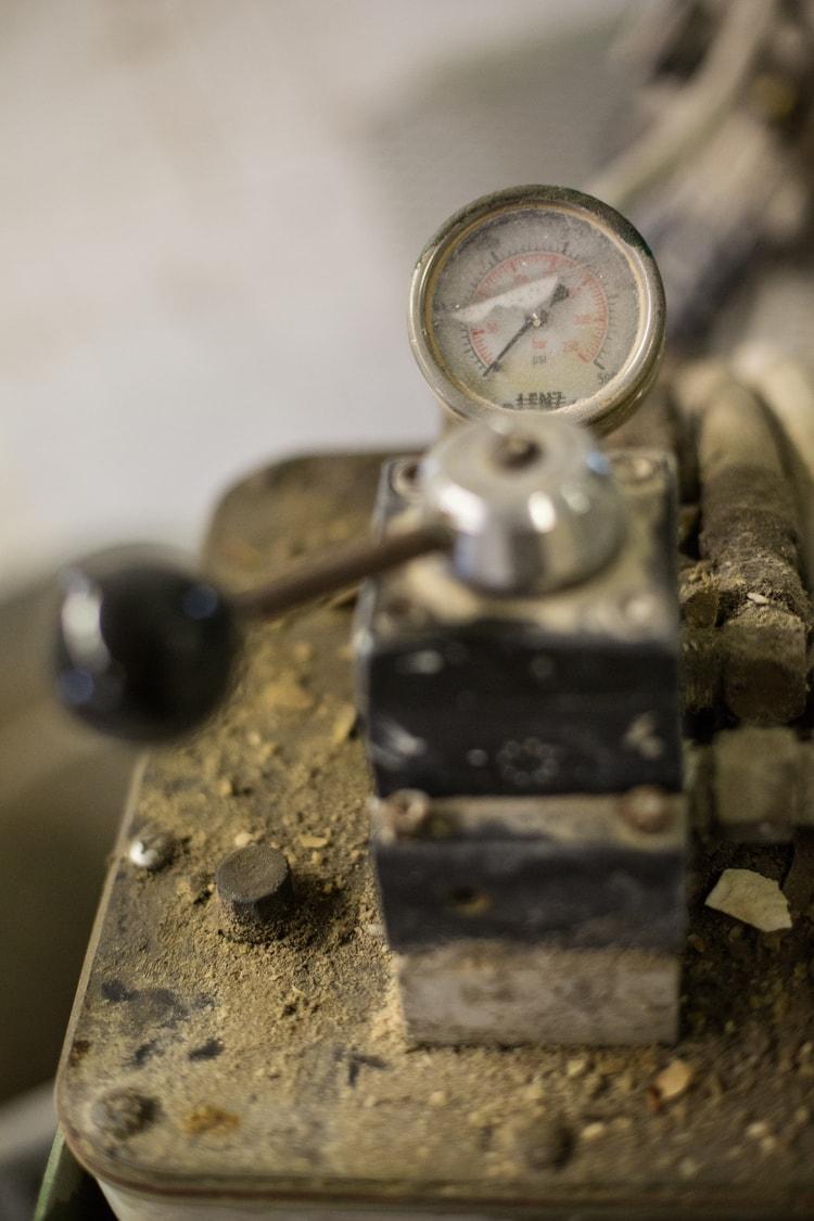 Pressure Gauge.jpg