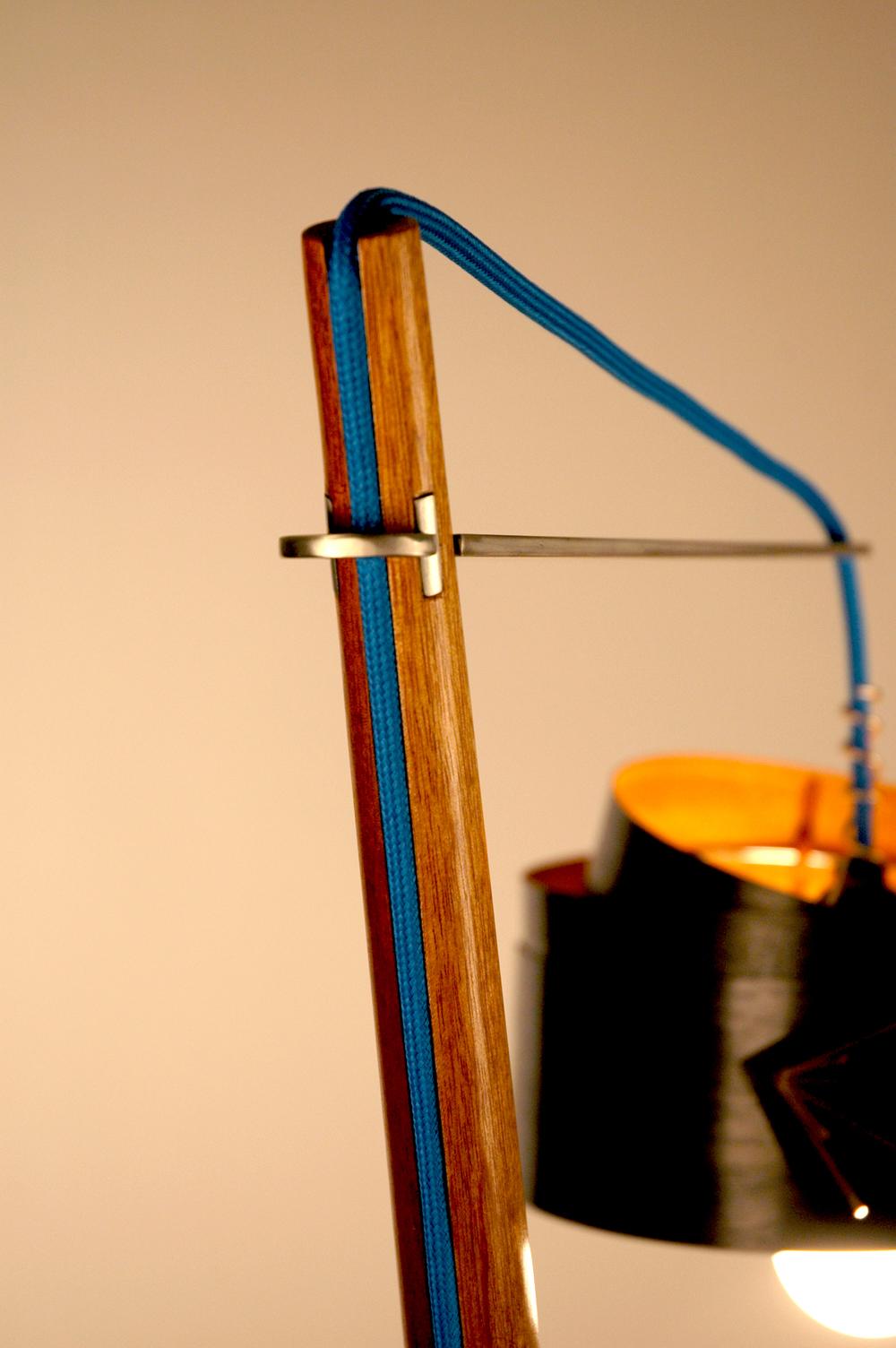 Lamp_cord_armtop_detail_smk.jpg