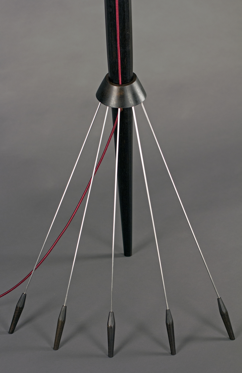 lamp_detail_legs_2.jpg