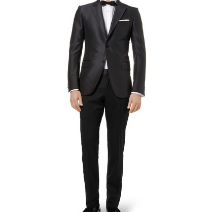 12.A classic tuxedo.