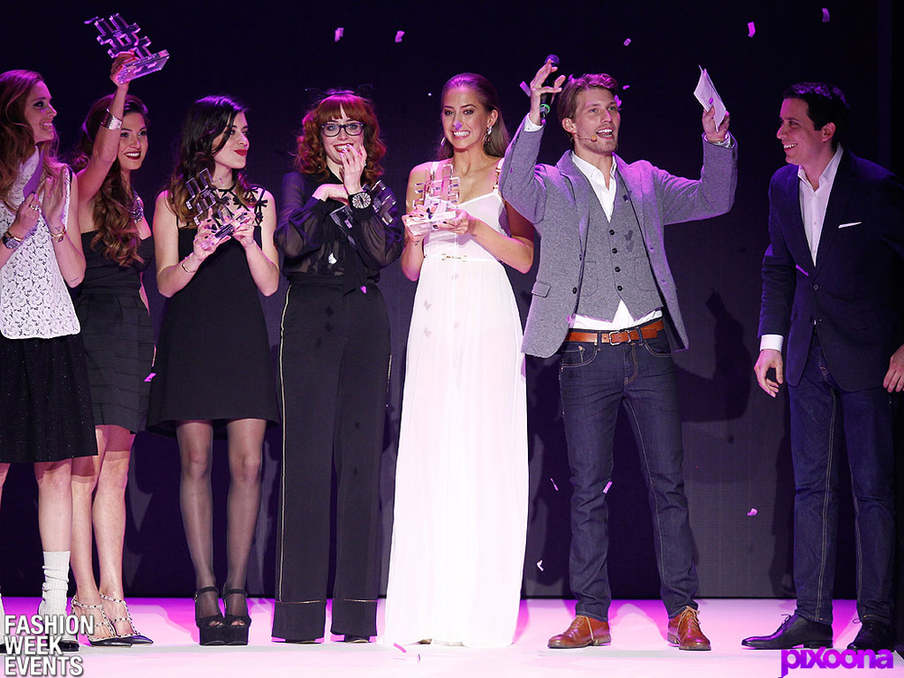 from left to right:  Chiara Ferragni ,  Negin Mirsalehi ,  Aida Domenech ,  Louise Ebel ,  Kenza Zouiten , Raúl Richter and STYLIGHT CEO Benjamin Günther.
