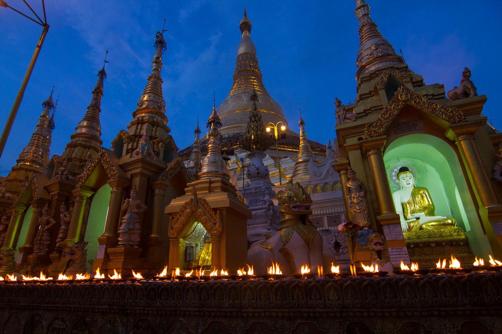 Shwedagon Pagoda Temple in Yangon (former Rangoon), Myanmar.