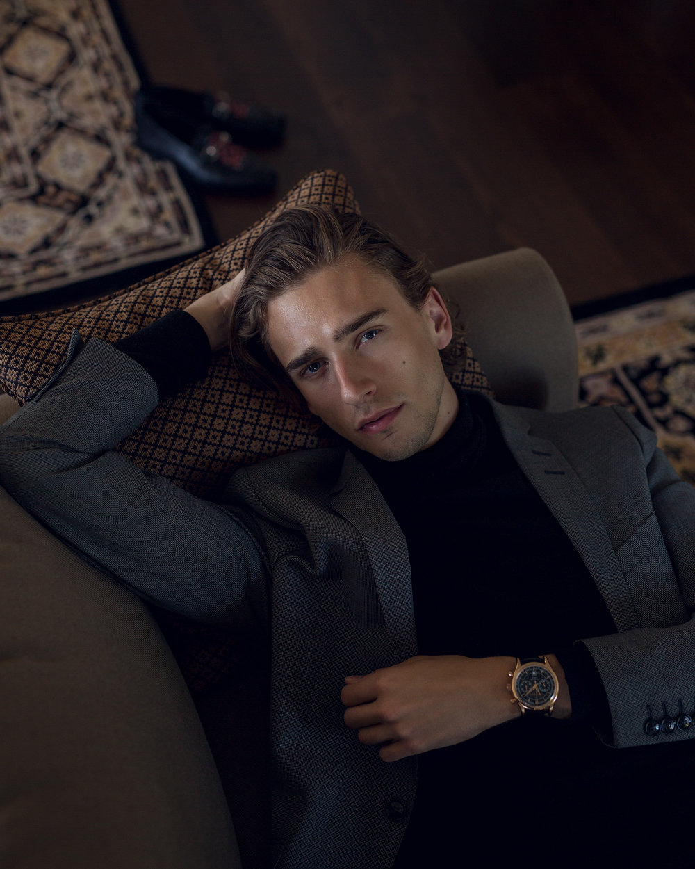 Oliver is wearing the Carl F. Bucherer Manero Flyback Chronograph in black.