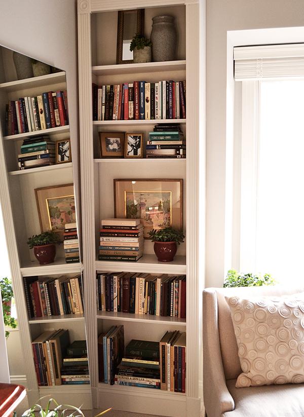 Diane's master bedroom shelves