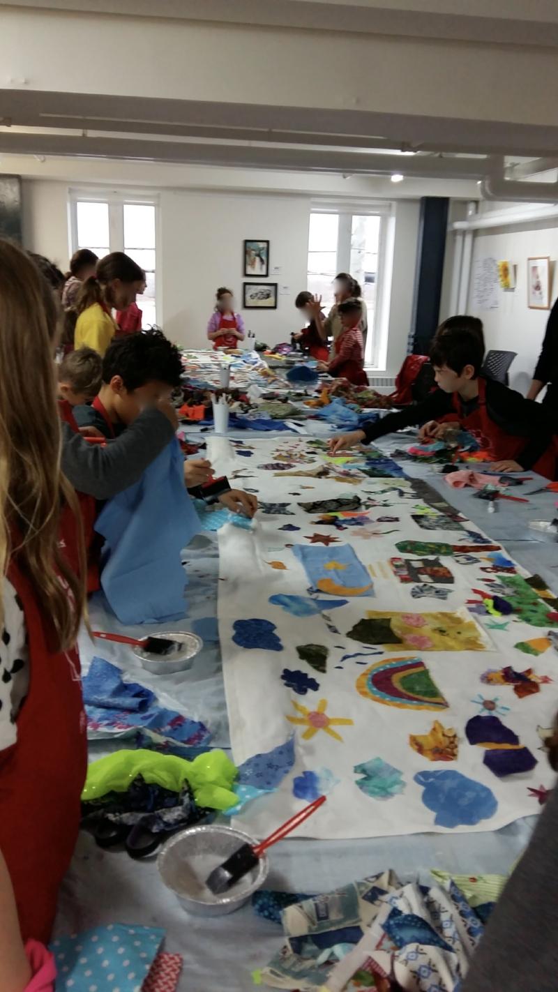 Atelier à la Galerie du Centre d'Art de Boucherville - Collage textile et acrylique - oeuvre collective