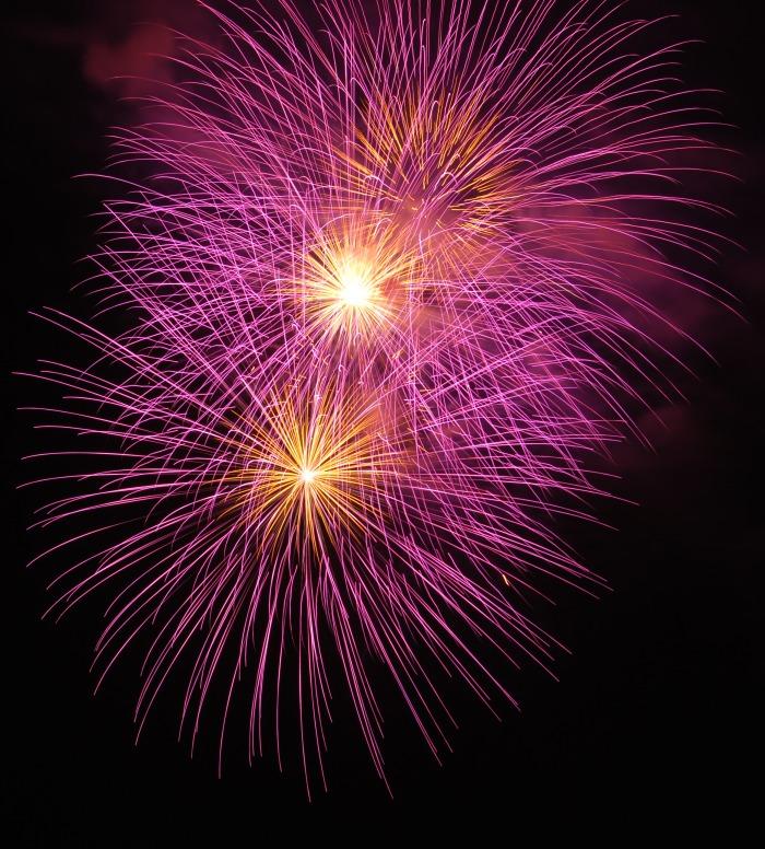 shoreline-fireworks